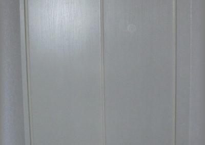 Armoire sous toit en mélaminé blanc veiné
