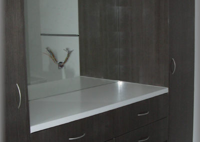 Meuble de salle de bain en panneau plaqué en bois