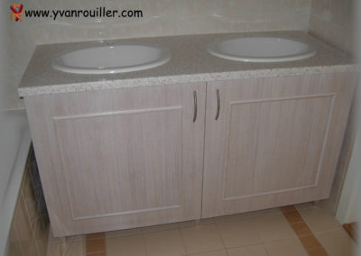 Meuble lavabo en chêne lasuré blanc