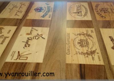 Tables sur mesure réalisées avec des caisses à vin