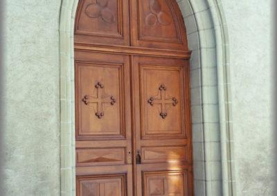 Rénovation d'une porte d'église