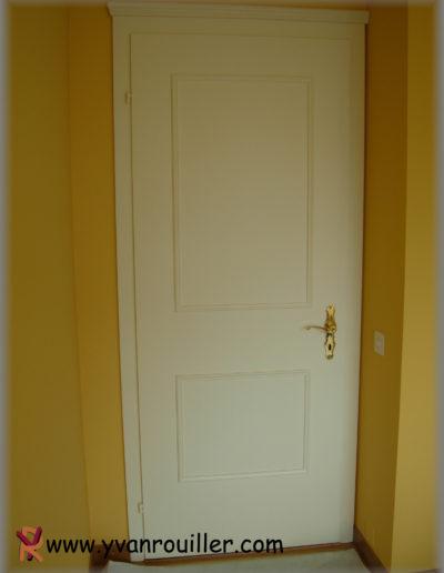 Pose de moulure sur une porte existante