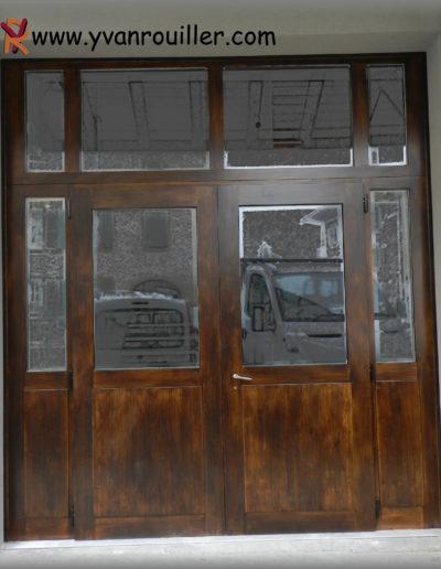 Porte d'entrée en sapin lasuré,deux vantaux, verres isolants