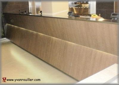 Fabrication du meuble caisse en panneaux stratifiés